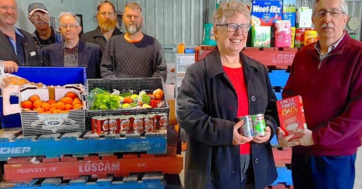 Bendigo City Masonic Lodge donates to Bendigo Foodshare